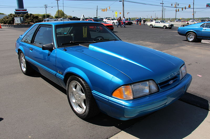 1992_Ford_Mustang_LX