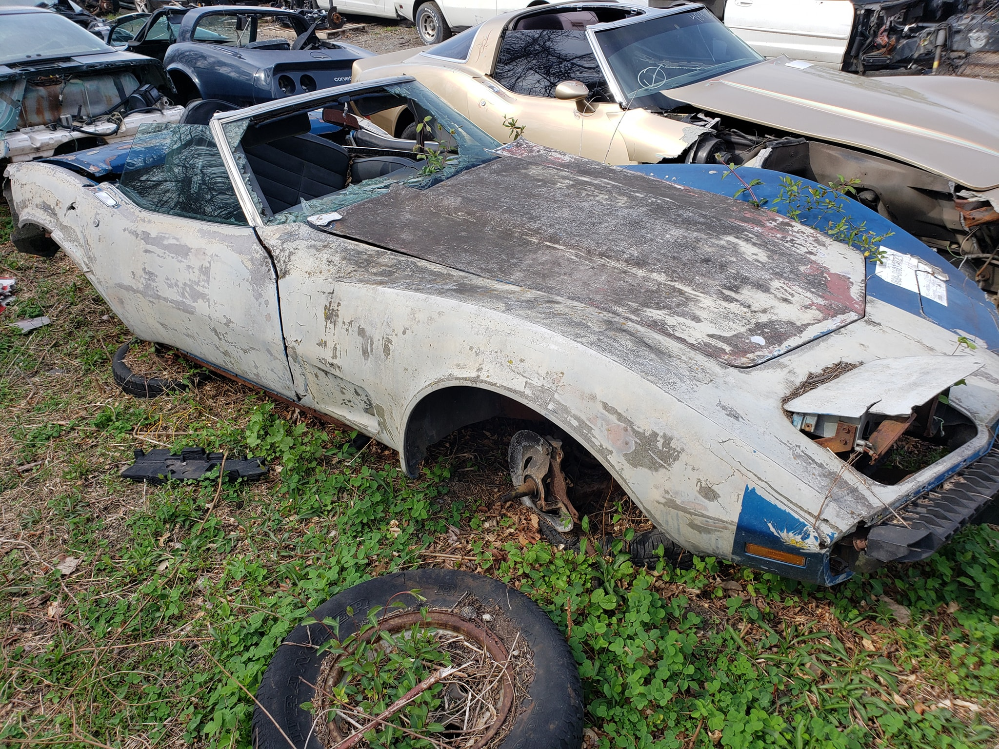 wrecked-c3-corvette