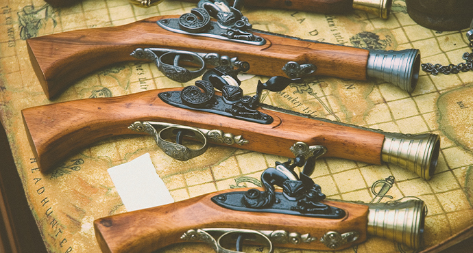 Antique_Guns-690x370